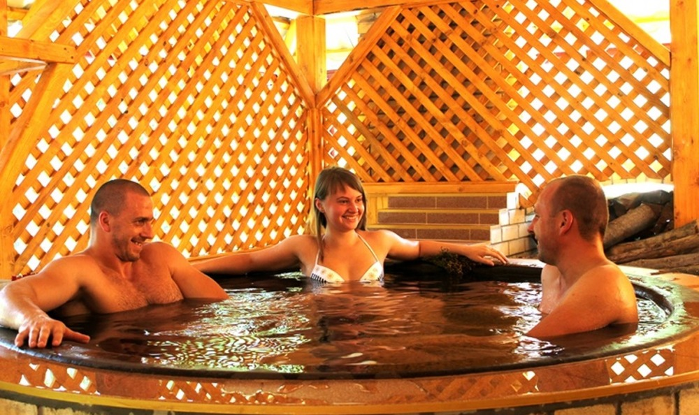 muzhchina-i-zhenshina-v-saune-porno